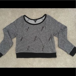 Cute sweater! Perfect for layering!